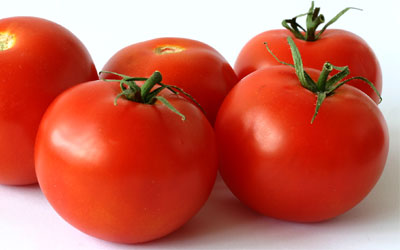 Quality's Attributes of Tomato Conducted under Greenhouse in Relation to Climatic Conditions